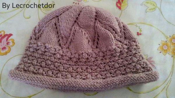 Mon magnifique chapeau tricoté par une amie avec un grand talent