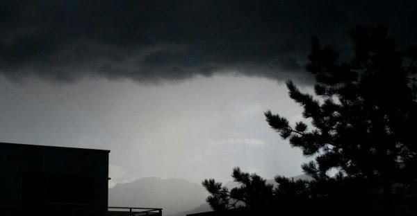 Le gros orage arrive  !