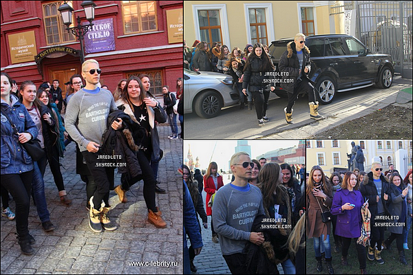 ". 14/03/2015 : Jared Leto a été accueilli par une foule de fan et à fait des selfies avec eux à  Moscou en Russie   Jared et son groupe Thirty seconds to mars effectuent une tournée pour promouvoir leur album "" Love, Lust, Faith and Dreams"" ."