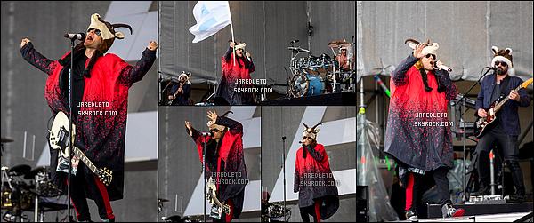 . 02/05/2015 : Pour sa première sortie du mois de Mai, Jared était avec son groupe en concert en  Autriche     Avant le concert le groupe 30 Seconds To Mars   était présent à une conférence de presse . Mister Leto avais un chapeau renne original  .