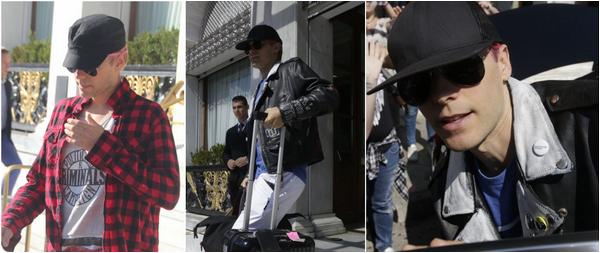 01/10/2015 : Jared Leto a été vu sortant de son hôtel à Athènes en Grèce