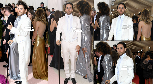 . 02/05/2016 - Jared Leto tout de blanc vêtu et très élégant était au MET Gala au museum de l'art à New York .
