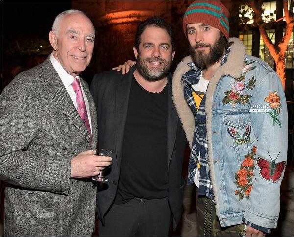 . 04/04/2017 - Jared Leto était aux côtés de Brett Ratner pour la première de la série American Playboy: The Hugh Hefner Story .