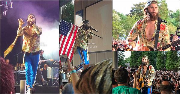 . 15/06/2017 - Jared Leto était en concert avec son groupe 30 Seconds to Mars dans la ville de Charlotte (Caroline du Nord) .