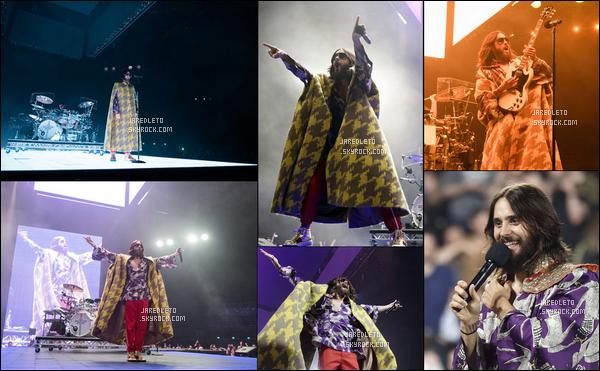 . 14.03.2018 : Jared a fait un véritable show en donnant un concert à l'AccorHotels Arena situé à Paris .