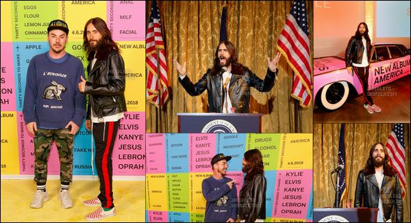 . 06.04.2018 : Jared toujours dans des tenues atypiques a été à la rencontre de ses fans à Los Angeles   .