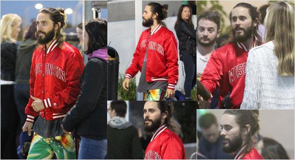 . 15.05.2018 : Jared a été vu avec des fans alors qu'il sortait du concert de U2 à Inglewood en Californie .