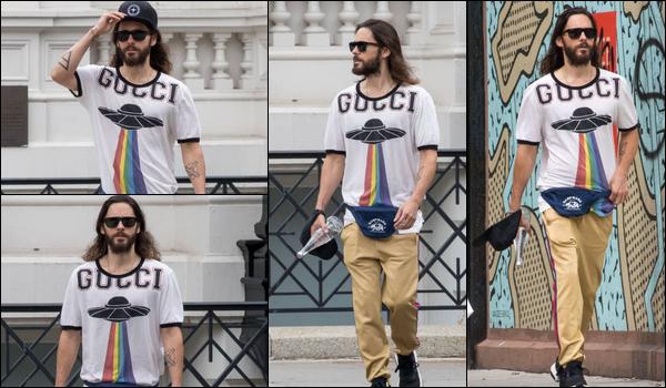 . 20.09.2018 :  Jared Leto à été vu se promenant dans la ville de  New York, malheureusement peu de photos   .