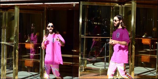 06.10.2018 :  Jared Leto , vêtu de rose a été vu quittant son hôtel dans la ville de Buenos Aires en Argentine