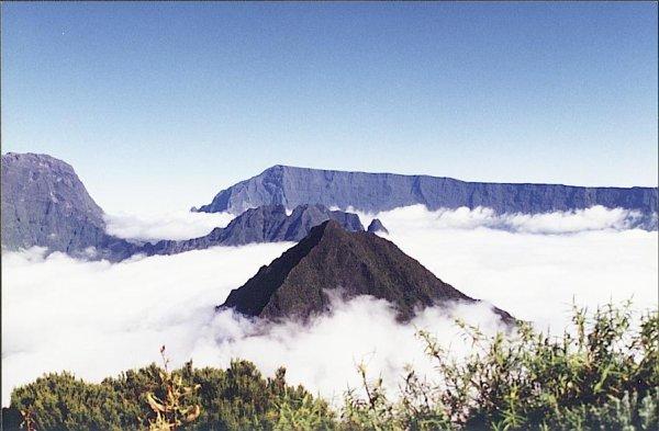 la Réunion a la tete dans les nuages !!!