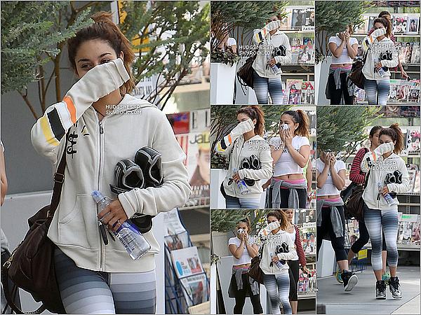 .  10.09.2013 : Vanessa, accompagnée de sa soeur a été aperçue se rendant à la gym à West Hollywood.  .