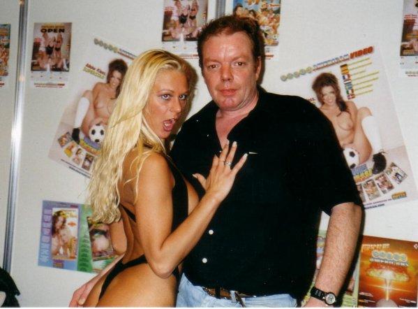 Victoria Swinger Nude Photos 34