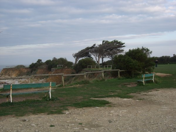 Au pied du phare de Chassiron (4)...l'océan!