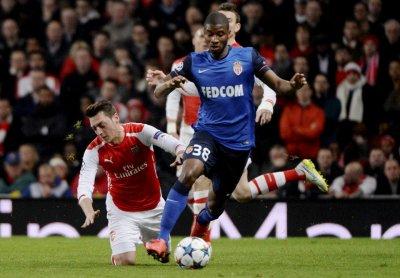 Almamy Touré prolonge son contrat