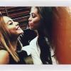 Pour commencer voici une photo de Selena et Vanessa ^^