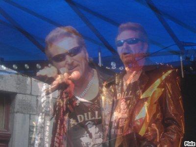 """concert johnny cadillac 24 juin 2011 a 20h   """"ferme d'abondance """" a sombreffe et olivier duroy de radio contact ....tous au poste ...."""