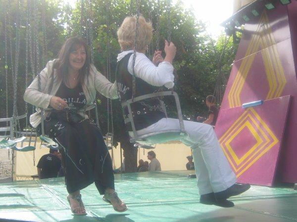 l'apres concert on s'amuse toujours autant.....qui c'est le premier a faire le clown...devinez...!!!