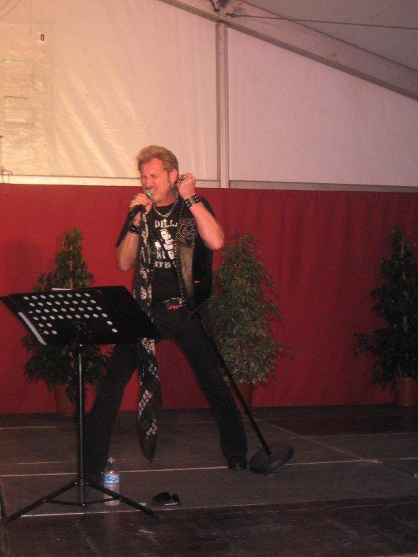 samedi 6 aout 2011 ...concert johhnny cadillac a vervins (france)...a 22h tous au rendez vous .....vous serez les bienvenus les amis ....