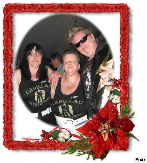 BONNE ET HEUREUSE ANNEE 2012 A TOUS ...........L'equipe Johnny  Cadillac