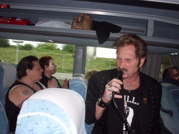 CONCERT JOHNNY HALLYDAY LE 08/ET 09/2012 SPORTPALEIS ANVERS ......SUBLIME ET NOTRE JOHNNY AUX ANGES............MERVEILLEUX....TOUJOURS UN GRAND MONSIEUR.............