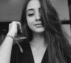 MarianaNolasco  fête aujourd'hui ses 20 ans, pense à lui offrir un cadeau.Hier à 23:30