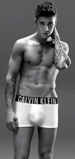 Justin-Bieber-998  fête aujourd'hui ses 24 ans, pense à lui offrir un cadeau.Hier à 10:39