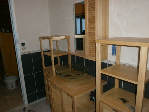 Suite de la Réfection complète de la salle de bain du sol au plafond.