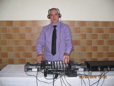 DJ NEWS MIX SUR WWW.LIVEGUADELOUPE.COM TOUT LES DIMANCHE DE 17H00 A 19H00