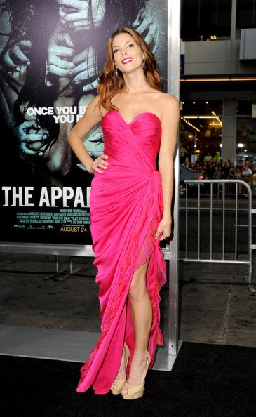 "Ashley à la Première de ""The Apparition"" (Los Angeles 23-08-12)."