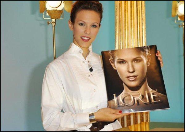 [ 266 ] Livre LORIE Edit 2009  + résumé collection discographie et filmographie (2009) - NEW 2OO9