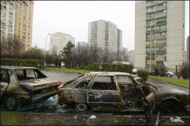"""Témoignage de Djamel - cité du Mas-du-Taureau (69) -  """"je suce les racailles du quartier pour avoir la paix !"""""""