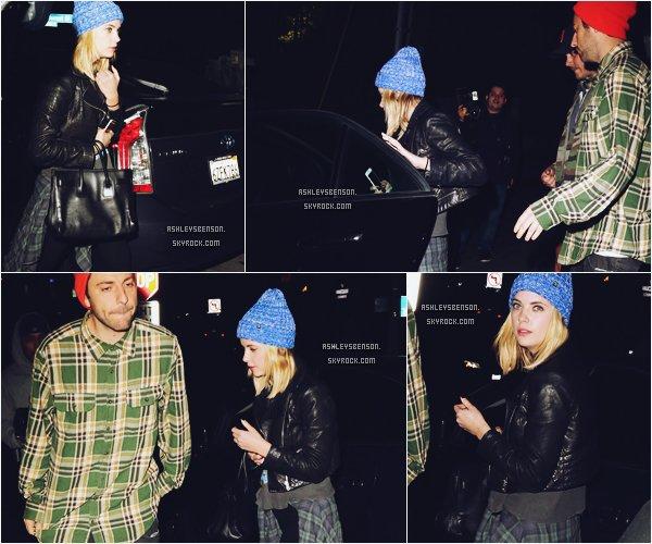 """*ashleysbenson* 20/01/15 - Ashley Benson, était à """"Chateau Marmont"""" à Hollywood .  Je la trouve toute belle avec son petit bonnet bleu, sa tenue est bien même si elle n'est pas très visible."""