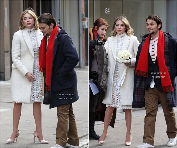 """*ashleysbenson* 25/02/15 - Ashley, toujours sur le set de """"Chronically Metropolitan"""" à Manhattan.   Je trouve que le blanc lui va à ravir, elle est très belle à mon goût. J'hadère !"""