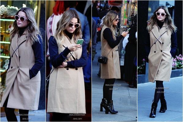 Le 10 Octobre, Ashley Benson était dans les rues de Manhattan dans NYC. J'aime bien sa tenue, son manteau est beau mais les lunettes de soleils et ses bottines j'avoue que j'ai un peu de mal.