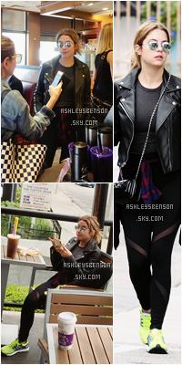 Le 02 Novembre, Ashley Benson s'est rendue au Coffee Bean pour prendre un boisson évidemment, accompagnée d'une amie à elle. Sa tenue est sympa même si ça reste une tenue de sport. Un bof bof.