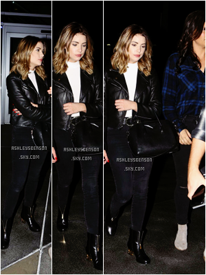 Le 14 Novembre, plus tard dans la soirée, notre petite liars sortait de The Staples Center dans Los Angeles. Sa tenue sombre, bien sur, est jolie, mais alors les bottes je les trouve juste ignoble! Ce serra donc un petit top.