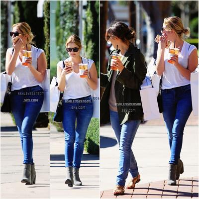 Le 9 Février, Ashley Victoria Benson faisait du shopping avec une amie dans Beverly Hills elle a apparemment fait ses emplettes chez Marc Jacobs. Sa tenue est simple et jolie, j'aime bien je lui accord un petit top.