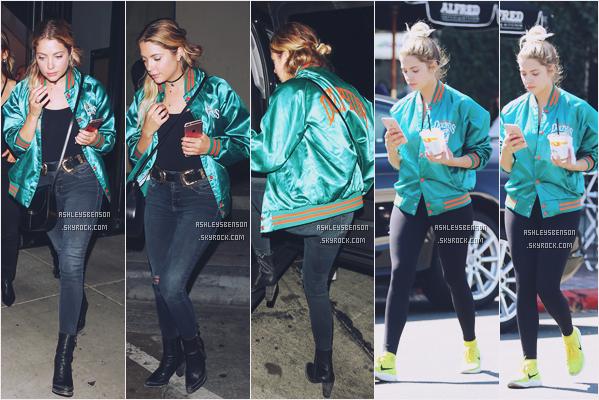29/09/16 : Ashley Benson a été vue partant du Catch restaurant, West Hollywood. En début de journée, elle été à Alfred's Coffee. Sa tenue est bof mai je préfère quand même les petits changements du soir.