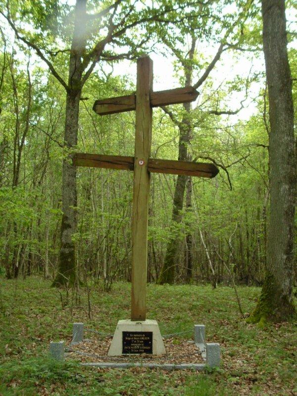 La Croix de Lorraine de Malmusse remplacée.