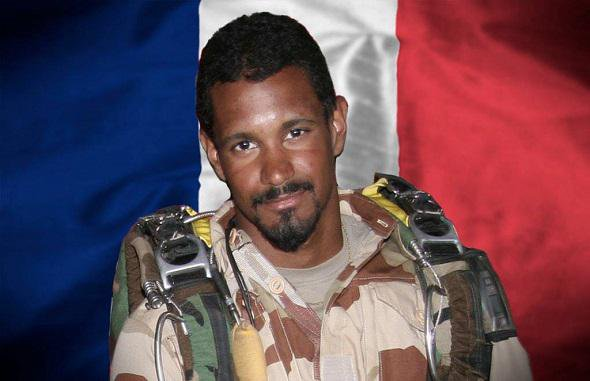 29 octobre 2014: Hommage à l'Adjudant Thomas DUPUY de la B.A. 123 d'Orléans-Bricy, Mort pour la France au Mali.