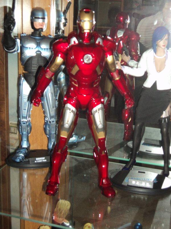 Iron man et Predator scar de hot toys