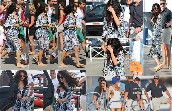 . 21/07/14 : Selena a été aperçue a Saint Tropez après y avoir atterrit quelques heures plus tôt..