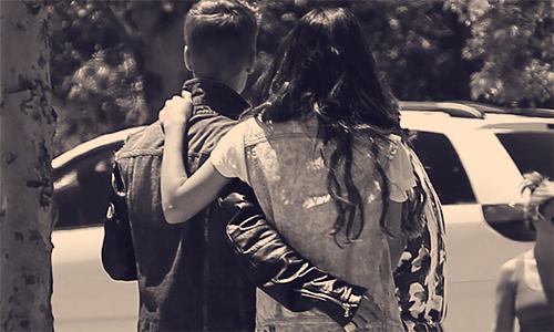 « Macey, reste avec moi ... fais pas comme Calvin ... s'il te plaît ... » Justin