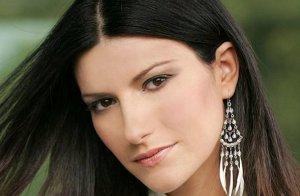 La chanteuse Laura Pausini a 39 ans.
