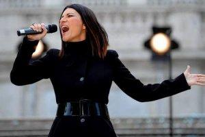 Un ouvrier se tue en montant la scène où Laura Pausini devait donner un concert, en Italie