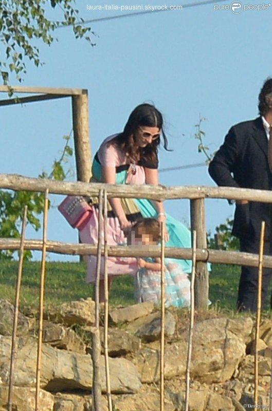 Laura Pausini et sa fille Paola au mariage d'Eros Ramazzotti et Marica Pellegrinelli à la Villa Sparina à Monterotondo di Gavi