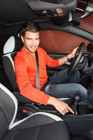 Maxi conduit la nouvelle Ibiza Cupra avec un logo dessiné par lui même