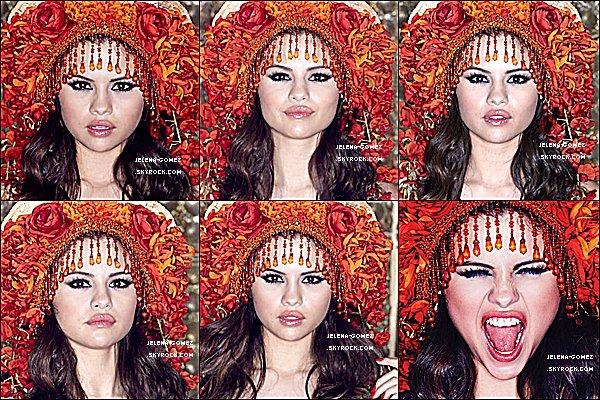 . Découvrez d'autre shoot du nouvelle album de Selena « Come And Get It » qui sortira le 8 avril.  .