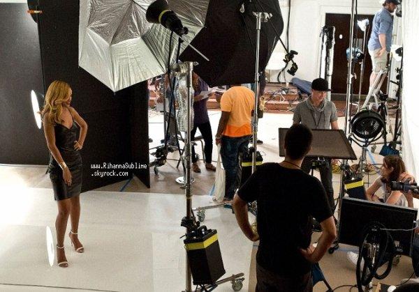 "18/08/2013: Dans les coulisses du Photoshoot ""Styled To Rock"""