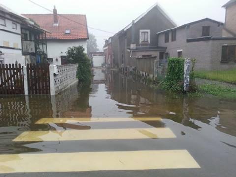 encore de l eau autour de ma maison